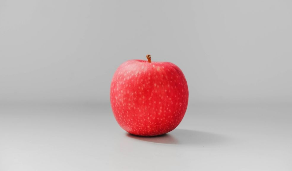 Eating an apple before an evening meal can help you lose weight