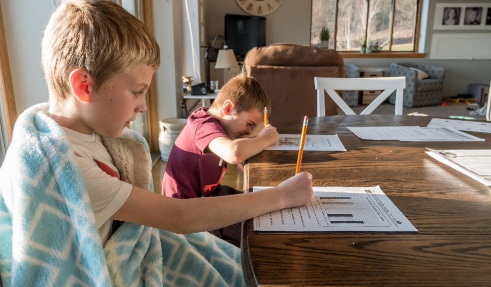 Tips for parents to get through home schooling in lockdown