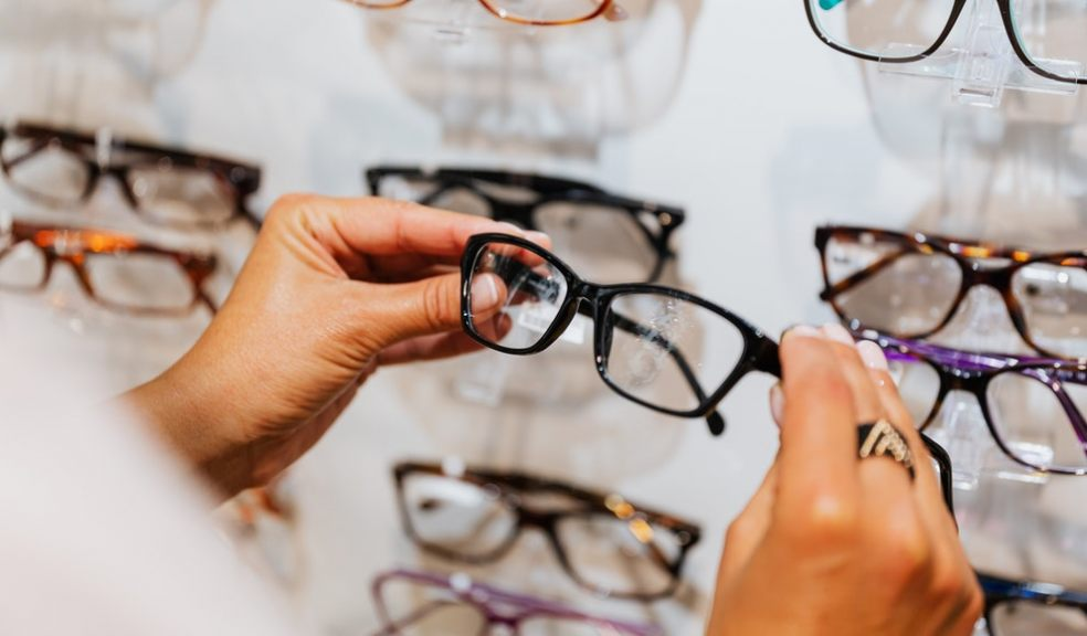 A guide to choosing the right reading glasses