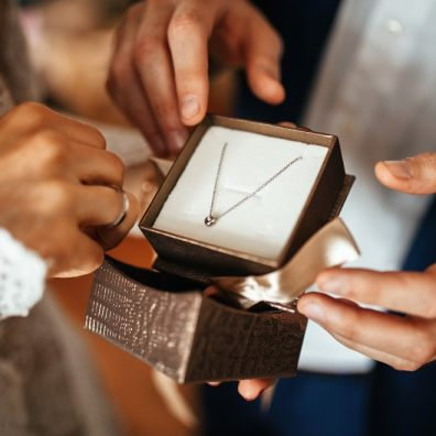 5 Tips when buying jewellery as gifts