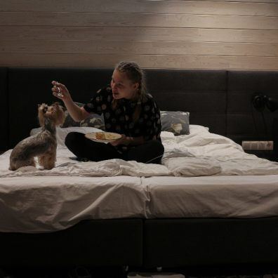 Pet peeves in the bedroom include eating in bed