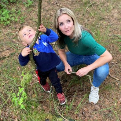 Helen Skelton and her son